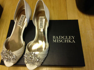Size 5.5 Badgley Mischka shoes