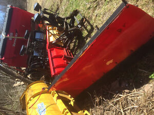 BLOW OUT SALE : SNOW PLOWS! v blade straight blade salter !!!!!!