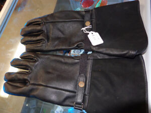 Gauntlet Gloves-NEW-Large-  recycledgear.ca