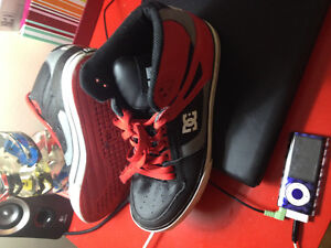Men's DC Size 8 Hi-Tops & basketball !
