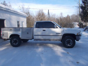 1997 Dodge Power Ram 3500 SLT Pickup Truck