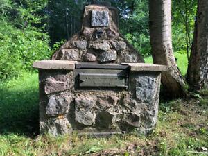 Foyer BBQ en béton et granite