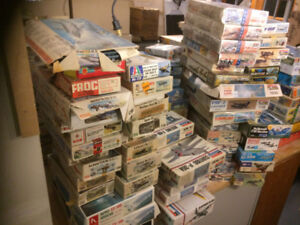 MIX LOT 200 1/72 Heller  MPC REVELL DECALS BOOKS Model Plane