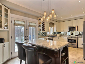 5 Bds/4 Bths ..2 Story Detached Home 30 minutes North of Toronto
