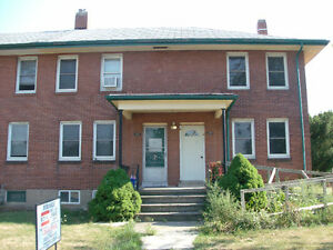 DUPLEX!!! 225-227 LINCOLN Street E, Welland