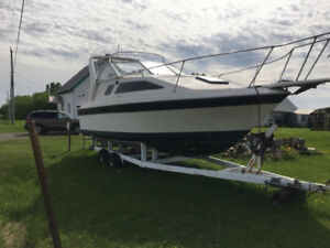 Bayliner1985, 26 pi avec trailer inclu