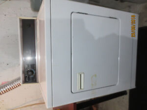 Kenmore Extra Large Dryer & Stove