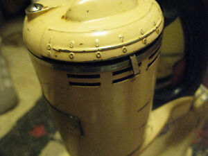 1940's GE STand Mixer Hotpoint London Ontario image 5