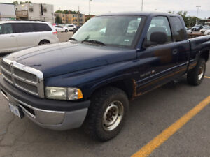 2002 Dodge Ram 2500 pick up..$1800