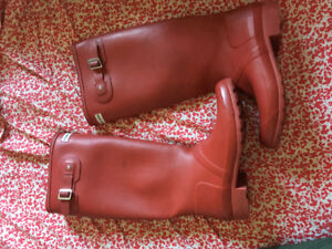 Red Hunter Boot in great condition