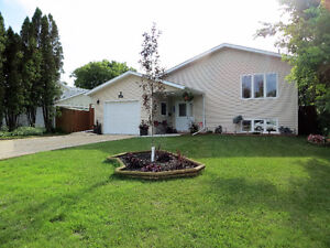 Almost NEW 4 bedroom with garage-Portage la Prairie