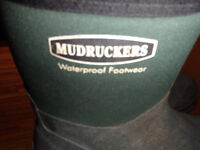 reduced--MUDRUCKERS MID BOOT - HUNTER GREEN men's size 8