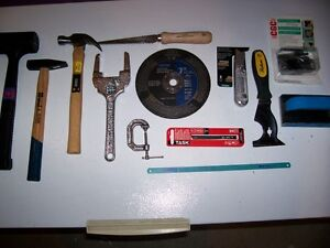 COLLECTION OF HAND TOOLS AND ACC