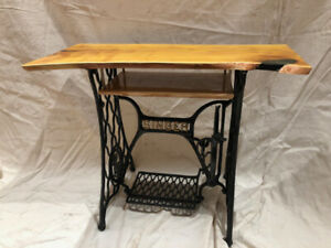 Singer Sewing Machine Table/TV Stand