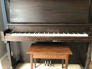Upright Piano $250 - Excellent Condition