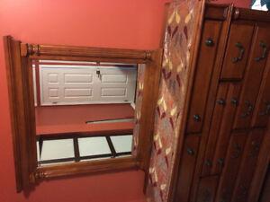 4 pc Hardwood dresser set.