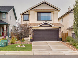 **AWESOME HOME** Fully finished 4 bedroom 2-storey in Okotoks
