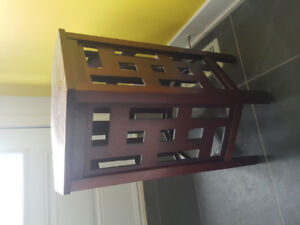 Table appoint style moderne