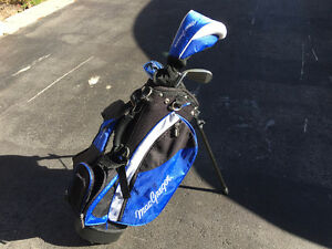 MacGregor Junior Tourney Golf Set (Right Hand) w/ Stand Bag