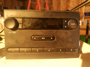 Ford AM/FM/AUX Radio