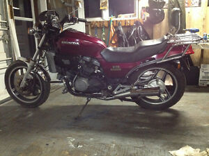 For Sale..1983 V/45 Sabre (750cc) (includes complete parts bike)