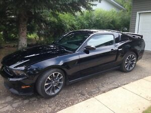 2012 Ford Mustang GT-California Specail Coupe (2 door)