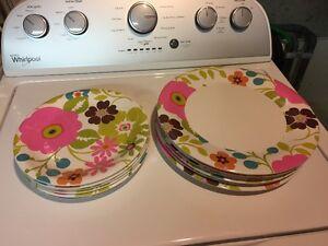 Outdoor plastic dinnerware set