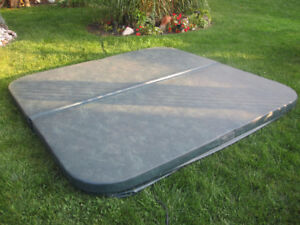 Hot tub cover and FREE lifter bar