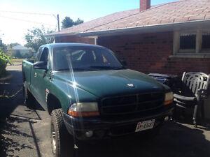 1998 Dodge Dakota Sport 4x4 Pickup Truck