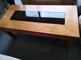 Solid wood extending coffee table