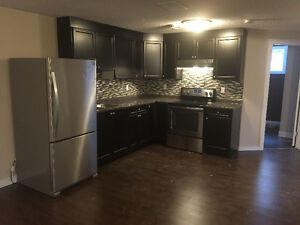 MILLWOODS STUNNER WITH CASH INCENTIVE!!!!!