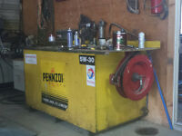 Mechanic's Bench with oil tank and pump