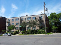 3 1/2 large adjacent Westmount