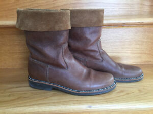 ROOTS Roll Over Boots Tribe Size 9.5