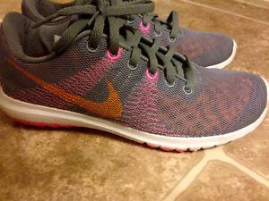 Nike Running Shoes 5.5 Women's