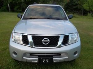 2012 Nissan Pathfinder le SUV, Crossover