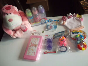 Petit ensemble accessoires roses pour bébé