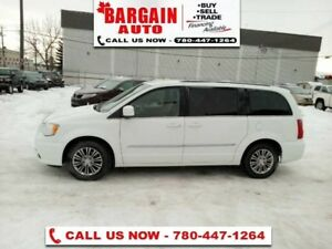 2015 Chrysler Town  Country Touring-L  - Leather Seats