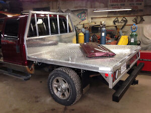 CUSTOM ALUMINUM FLAT DECKS FOR TRUCKS
