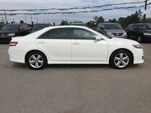 2011 TOYOTA CAMRY SE * POWER GROUP * EXTRA CLEAN London Ontario image 7