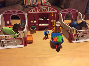 Playmobil horse stables lot