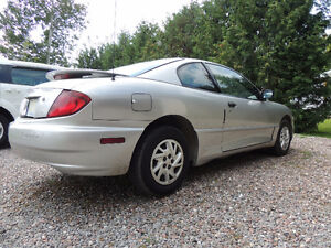 2005 Pontiac Sunfire plain Coupe (2 door)
