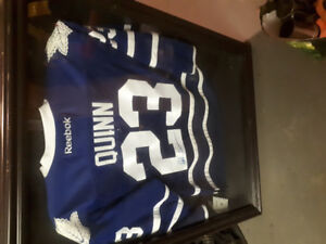 Pat Quinn signed Jersey