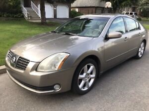 2004 Nissan Maxima 3.5 SE...pano roof, fully equipped