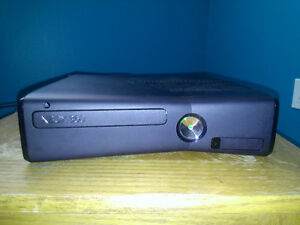 Xbox 360 with 11 games kinect game controller and  mic for sale
