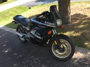 1986 Suzuki GS 750 EF + + +