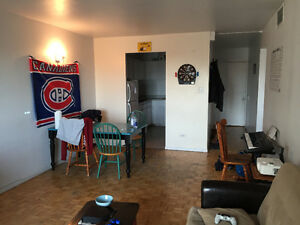 3 bedrooms, BERRI UQAM, furnished, JULY AND AUGUST