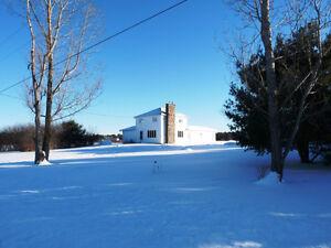 43 Acre Farm & Beautiful 4 Bedroom Home! Dbl Garage! Barn + + +!