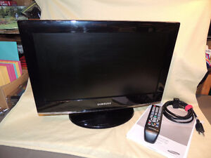 Samsung 19 inch TV. LCD. Model. LN19B360. New Condition with box