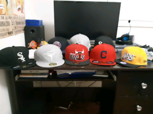 Sports Fitteds/Snapback Hats